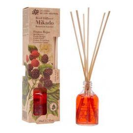 Olejek eteryczny z patyczkami owoce leśne